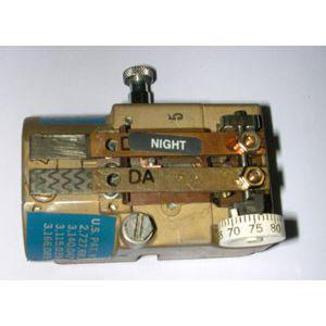 Johnson T4512 Dual Temperature Thermostat
