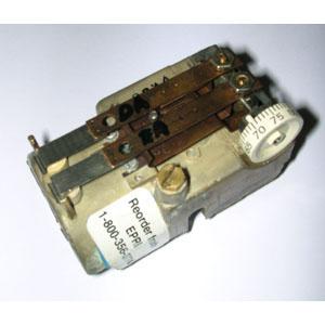 Johnson T4752  Dual Temperature Thermostat